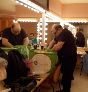 Joan Carles Bestad cercant a Madò Pereta auditòri 05-12-2014 001-crop