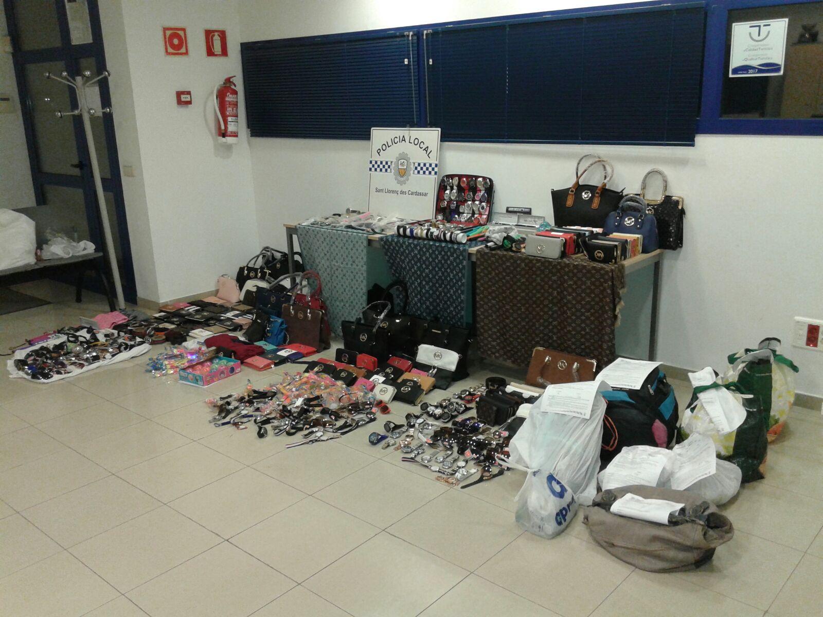 Objectes intervinguts per la Policia Local de Sant Llorenç des Cardassar.