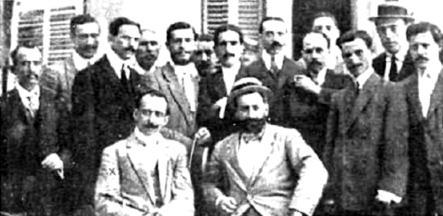 Bravo Portillo amb alguns dels seus agents